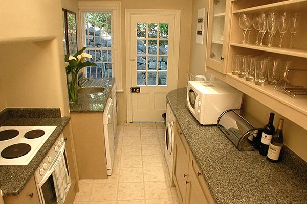 Garden Apartment fully equipped kitchen with washing machine, dishwasher & tumble dryer